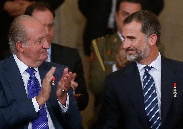 Rey Felipe con su padre, Juan Carlos