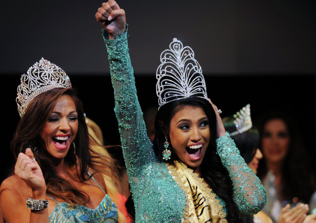 La canadiense Ashley Burnham, ganadora del  concurso Mrs. Universo 2015