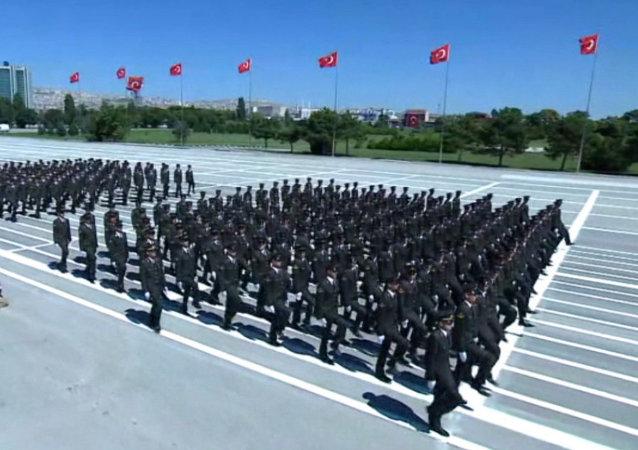 Turquía celebra un desfile militar