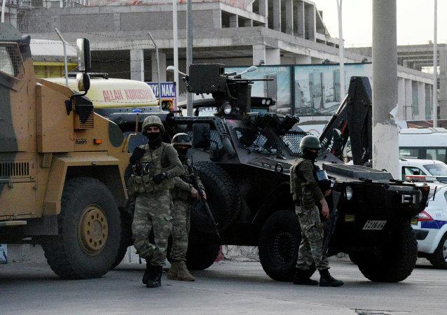 Policía turca en Diyabakir