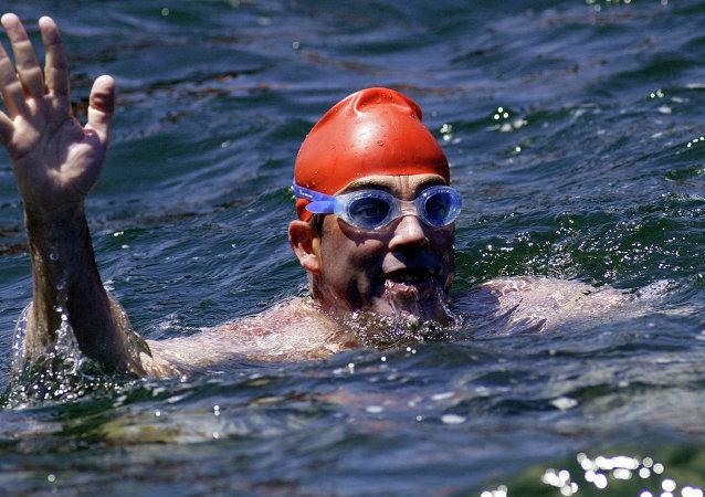Lewis Pugh, nadador británico