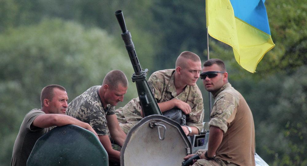 Soldados ucranianos en una base militar cerca de la ciudad de Zhitomir, Ucrania