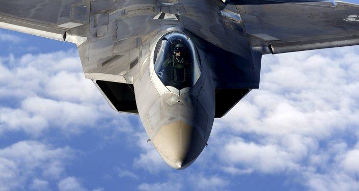 Caza F-22 Raptor de Fuerza Aérea británica