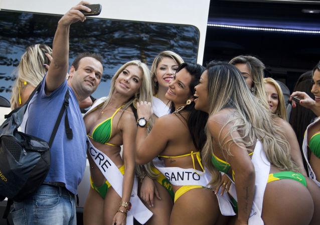 Participantes del certamen Miss Bumbum Brasil 2015 (archivo)
