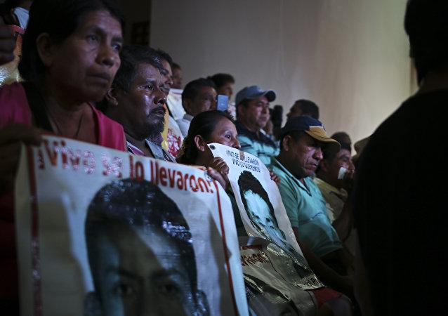 Familiares de los estudiantes desaparecidos en Iguala