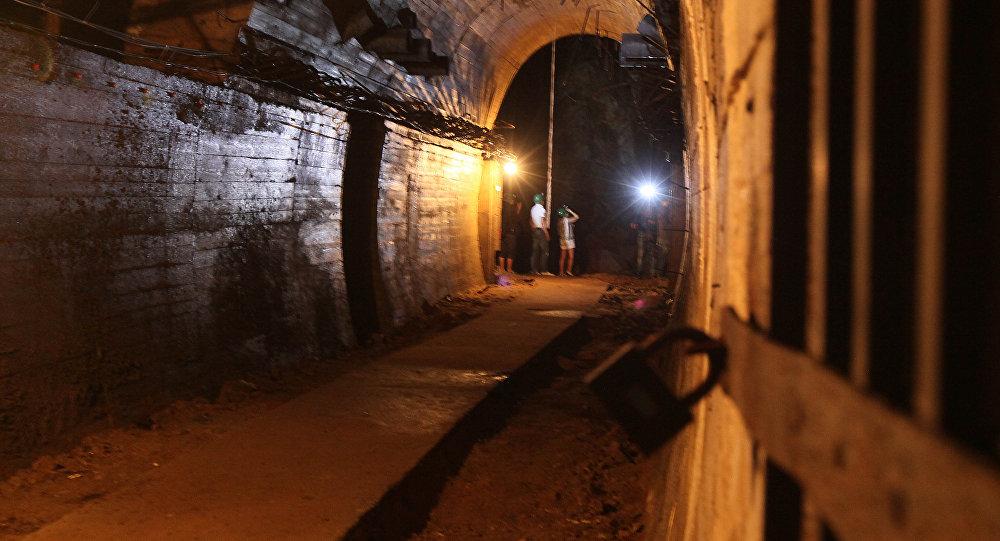 Un túnel cerca del sitio del supuesto tren de oro nazi