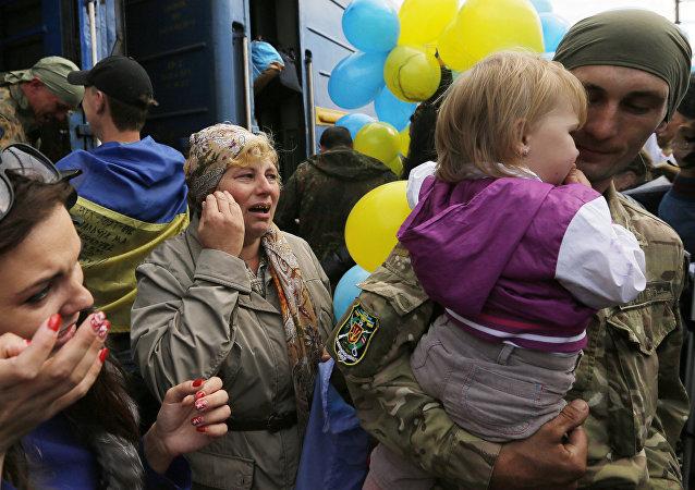 Soldados ucranianos llegan a Kiev
