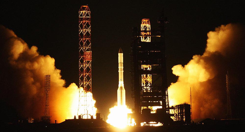 Cohete ruso Protón pone en órbita el satélite estadounidense MSV-1 (archivo)