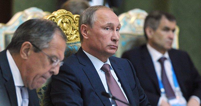 Vladímir Putin en la cumbre de la OTSC en Dusambé, Tayikistán, el 15 de septiembre, 2015