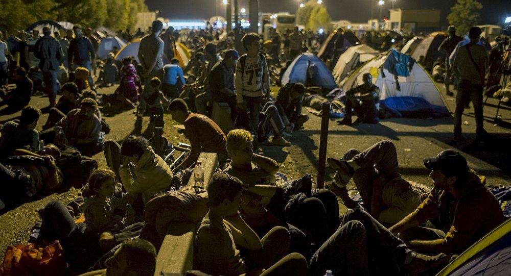 Migrantes en la frontera entre Serbia y Hungría