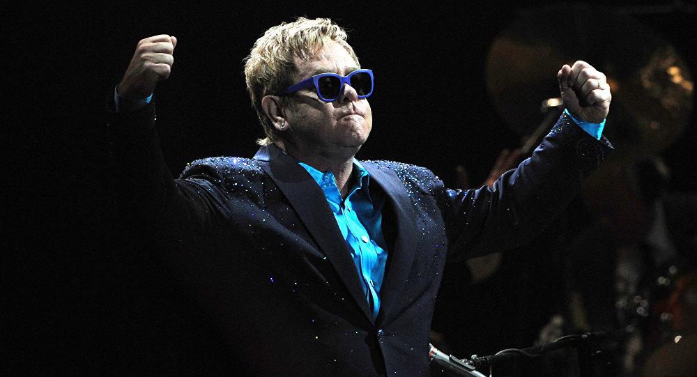 Elton John, famoso cantante británico