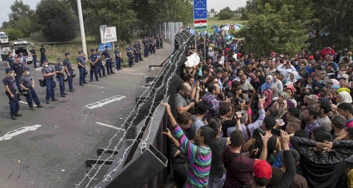 Proteger las fronteras de UE de los refugiados es imposible, dice primer ministro serbio