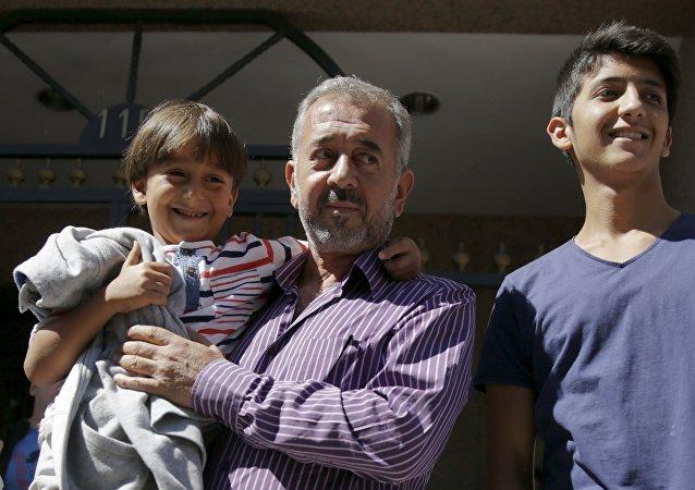 Osama Abdul Mohsen, el refugiado sirio al que la periodista húngara puso la zancadilla