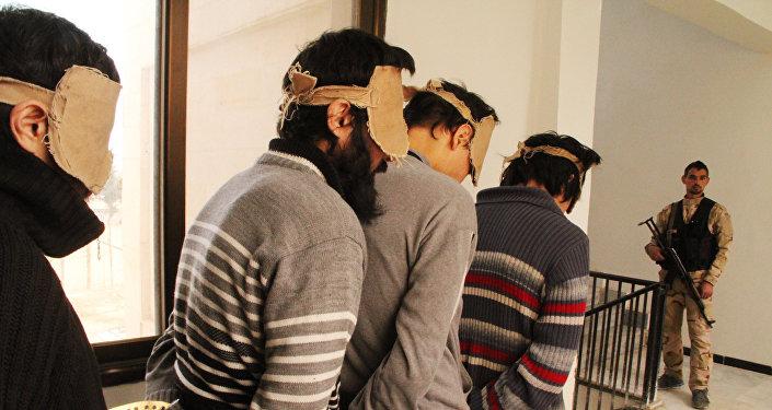 Militantes del EI detenidos (archivo)