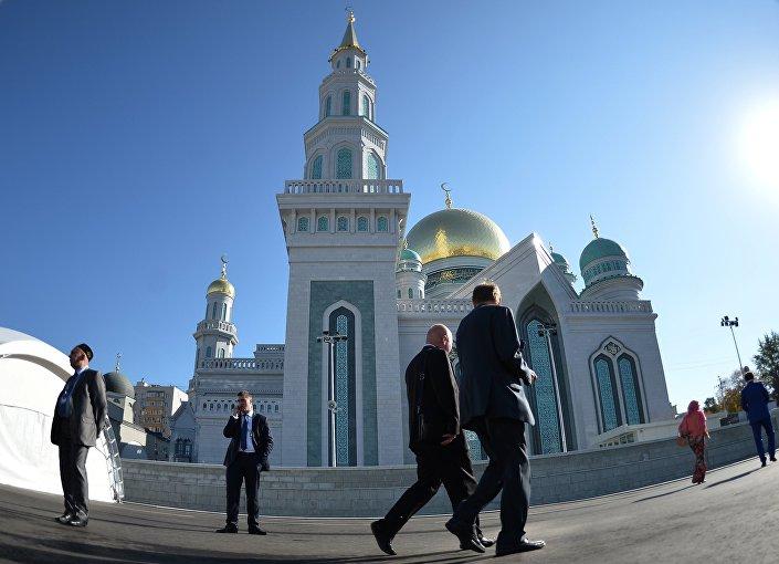 Apertura de la Mezquita Mayor de Moscú