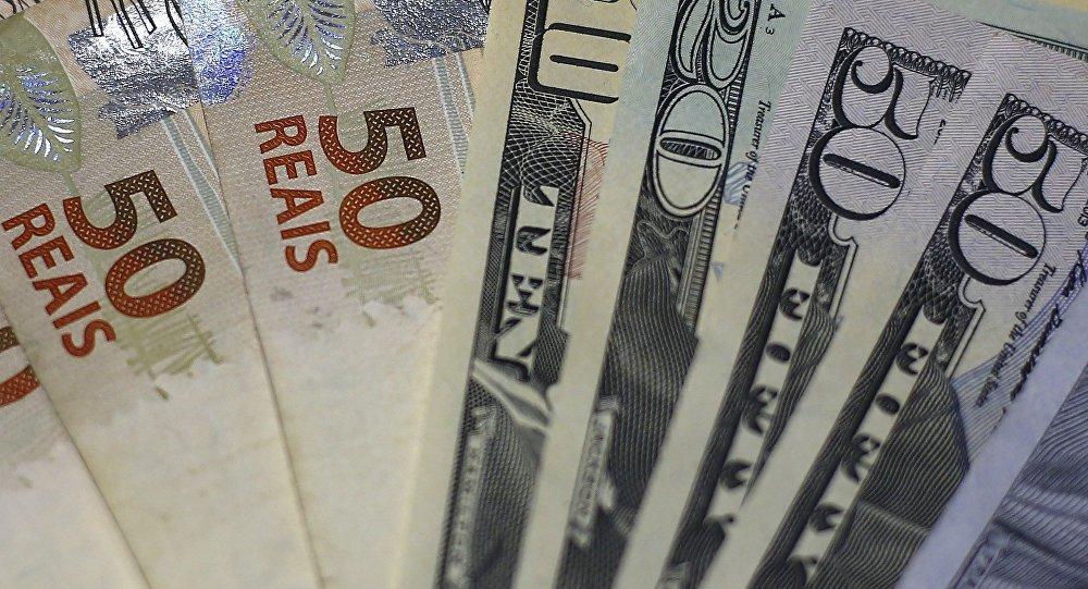 Real Brasileño Y Dólar Estadounidense