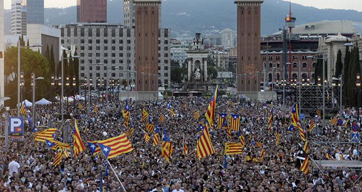 Partidarios de la independencia durante el acto final de la campaña para las elecciones catalanas