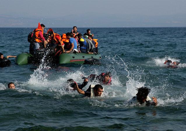 Inmigrantes llegan a Europa (archivo)