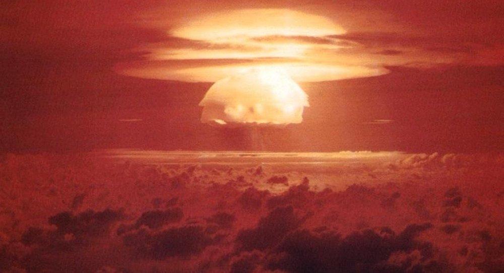 Explosión nuclear - uno de los resultados del uso de las armas de destrucción masiva