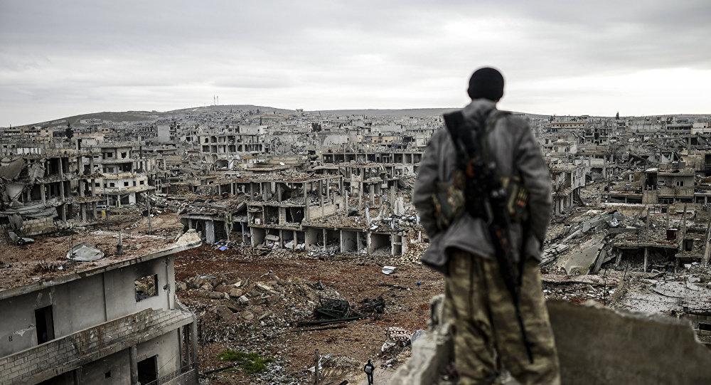 Combatiente kurdo en la ciudad siria de Kobane (Archivo)