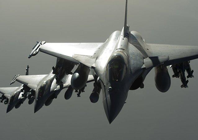Cazas Rafale de la coalición contra Daesh durante un ataque aéreo