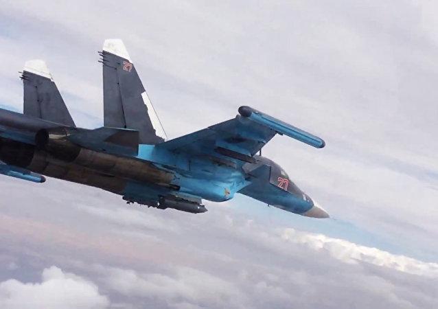 Ataques aéreos en las provincias de Raqqa y Alepo