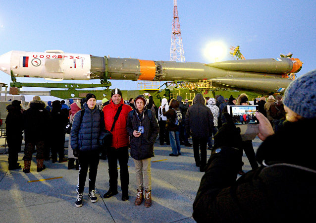 Turistas en el Cosmódromo de Baikonur