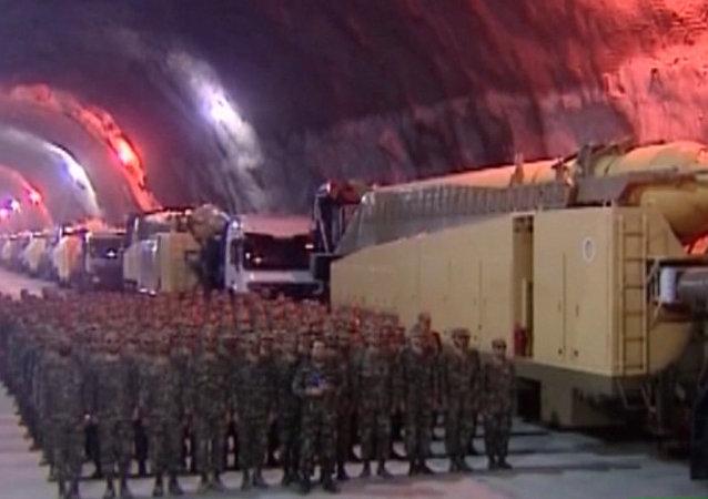 Irán abre a la prensa una fábrica de misiles subterránea