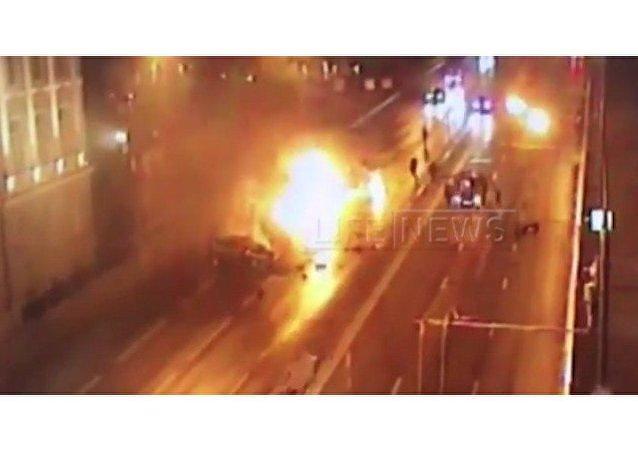 Accidente de tránsito provoca incendio de un Ferrari