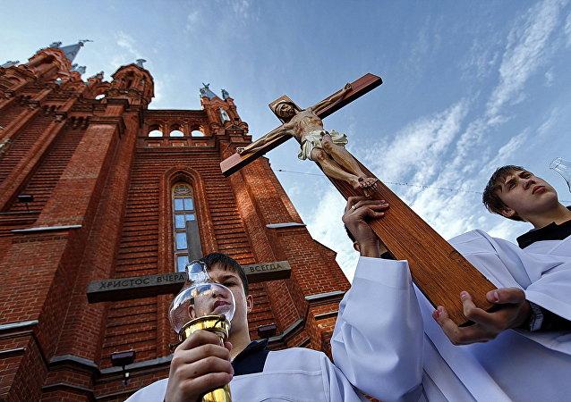 Catedral católica de Moscú (Archivo)