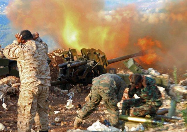 Las tropas gubernamentales de Siria cerca de la ciudad de Salma
