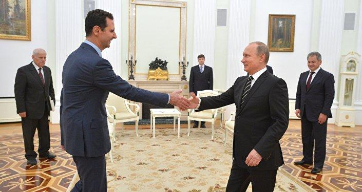 Vladímir Putin, presidente ruso, con su homólogo sirio, Bashar Asad