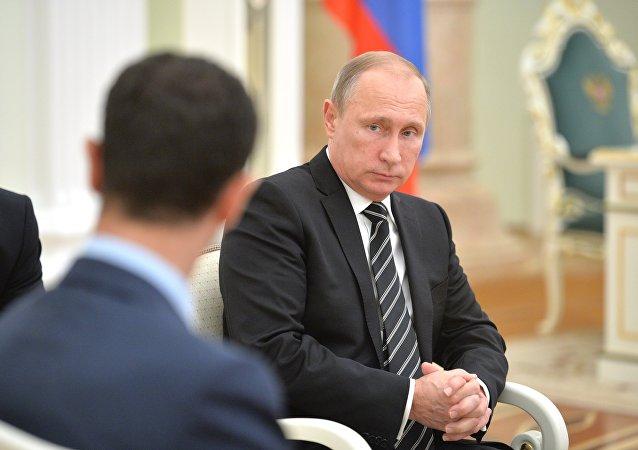 Presidente de Siria Bashar Asad y presidente de Rusia Vladímir Putin