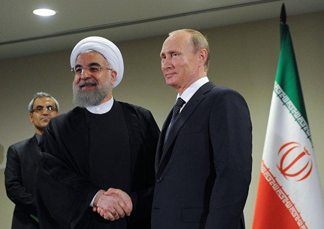 Presidente de Irán Hasán Rouhaní y presidente de Rusia Vladímir Putin