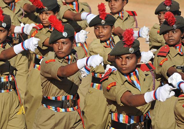 Miembros del Cuerpo de Cadetas Nacional de la India
