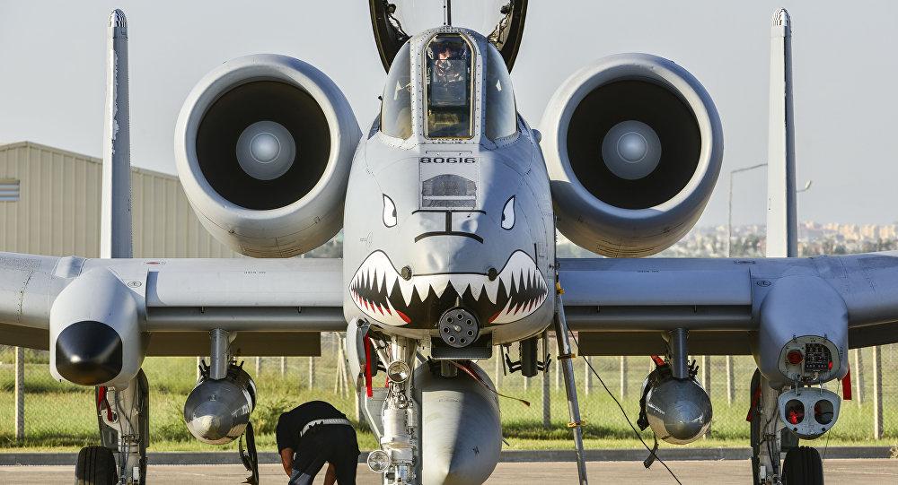 Aviones de asalto A-10 en la base aérea de Incirlik
