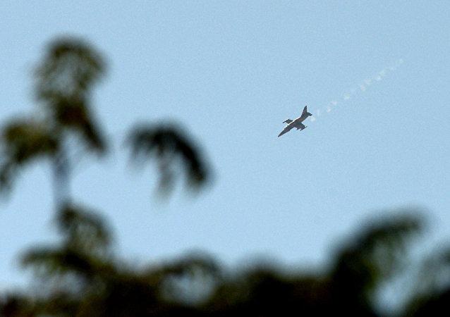 Caza MiG-23 de la Fuerza Aérea Siria (Archivo)