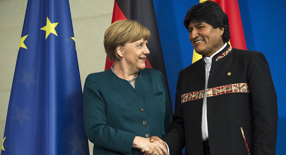 La canciller de Alemania, Angela Merkel, y el presidente de Bolivia, Evo Morales
