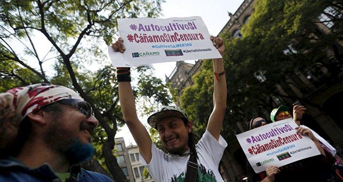 Manifestación en apoyo a la legalización de la marihuana, México