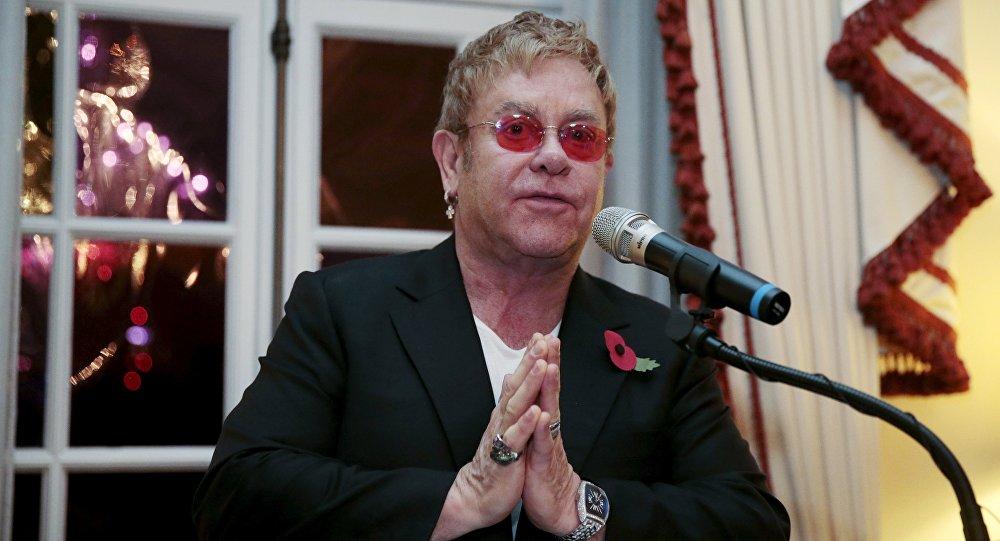 Elton John, cantante británico