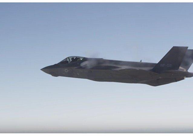 El F-35A prueba su cañón en el aire por primera vez
