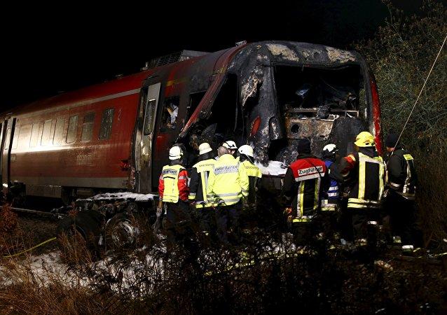 Lugar de la colisión de un tren de pasajeros con un camión en la comuna de Freihung, Baviera