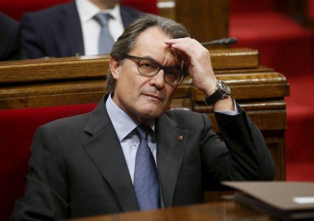 Presidente de Cataluña Artur Mas en el Parlamento catalán