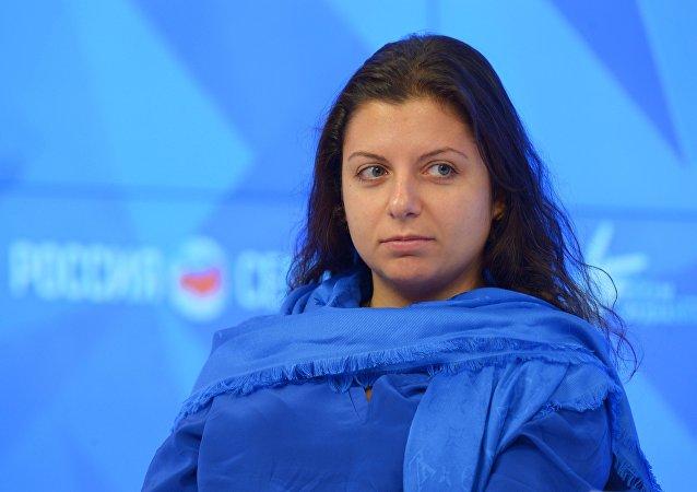 Redactora jefa de la agencia Rossiya Segodnya y de RT Margarita Simonyan en el Foro de los Medios de Noticias Europeos y Asiáticos 2015