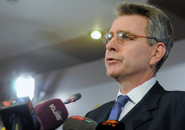 Geoffrey Pyatt, el embajador de EEUU en Ucrania