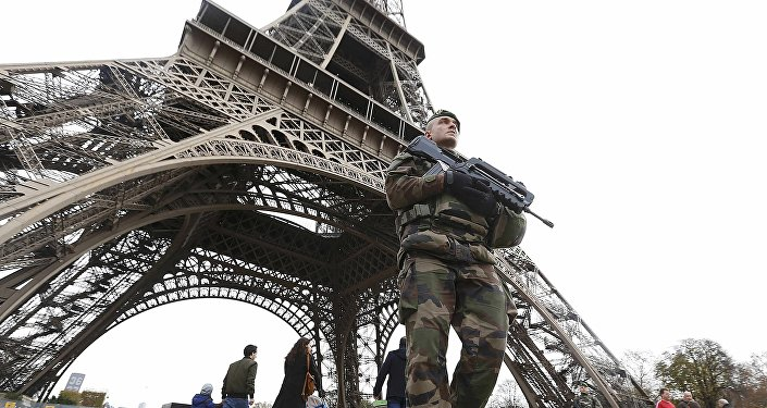Un militar frances en París (archivo)