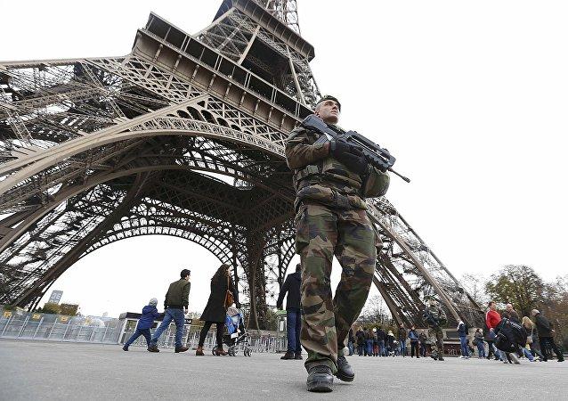 Militar frances en París (archivo)