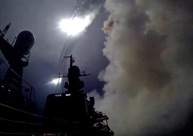 Lanzamiento del misiles de crucero Kalibr (archivo)