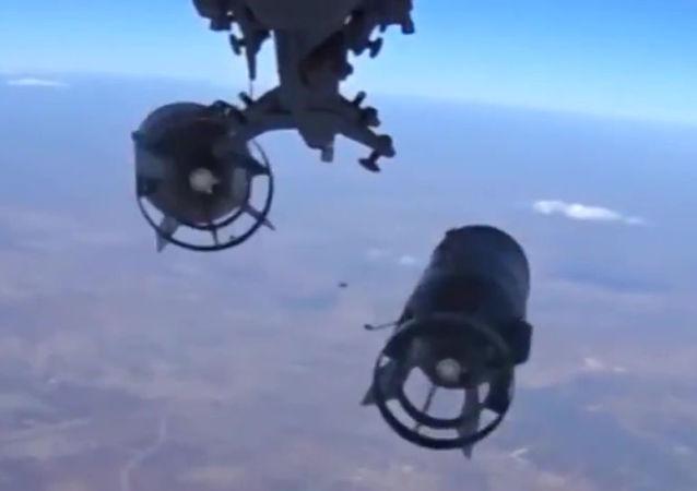 Bautismo de fuego de la aviación estratégica rusa en cielo sirio