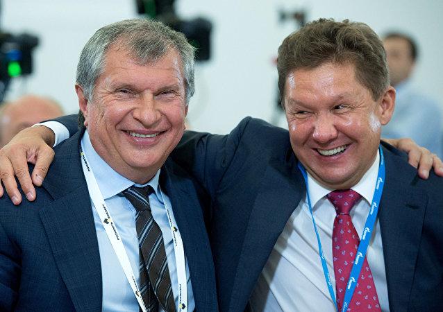 Presidente de Rosneft, Igor Sechin y presidente de Gazprom, Alexéi Miller